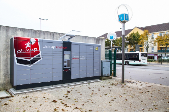2014-11-03 - Pickup-Stations-Cdiscount-gare-Plaisir-T0